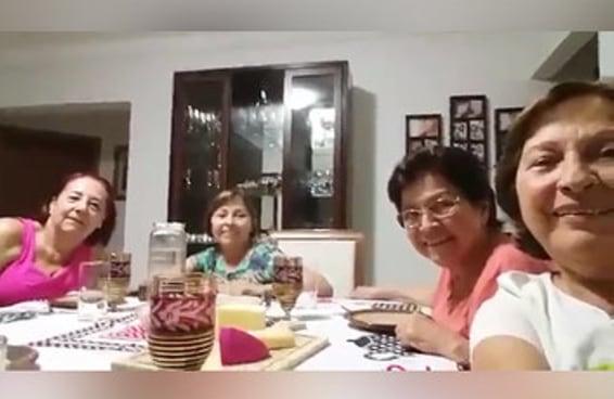 Um grupo de senhoras fez um vídeo hilário ao tentar tirar uma selfie