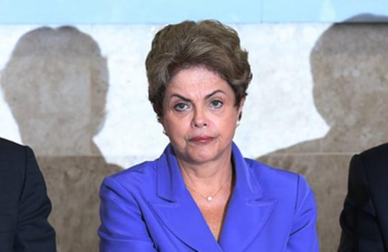 """No """"castelo"""" de Dilma, num dia falta água, no outro falta luz"""