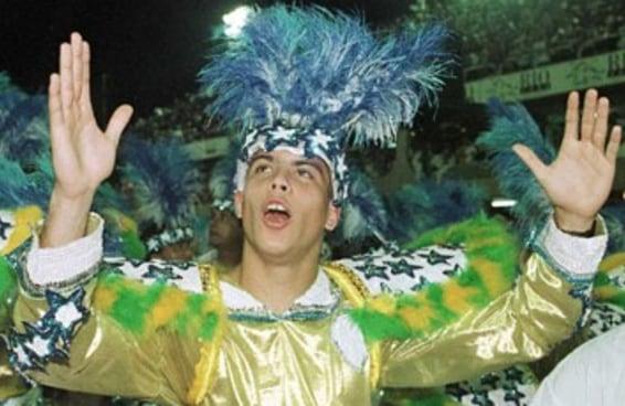 20 imagens do carnaval que provam que 1997 foi há uns 100 anos