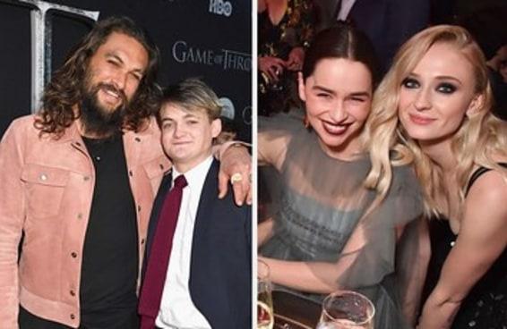 """Veja as fotos do elenco de """"Game of Thrones"""" se reencontrando na premiere da última temporada"""
