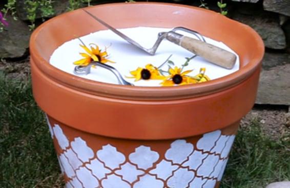 Aprenda um jeito fofo de guardar suas ferramentas de jardinagem
