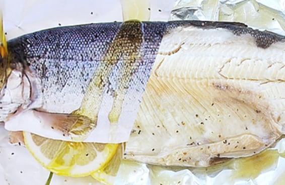 Preparar um peixe inteiro não é tão difícil quanto você pensa