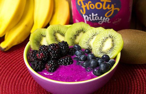 Saboreie este inusitado creme de pitaya com frutas