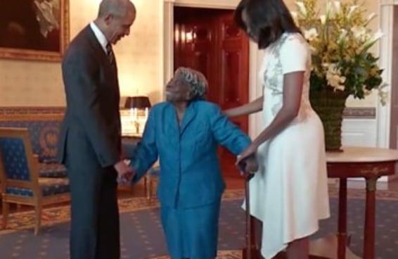 Esta mulher de 106 anos dançou de alegria ao conhecer Barack Obama