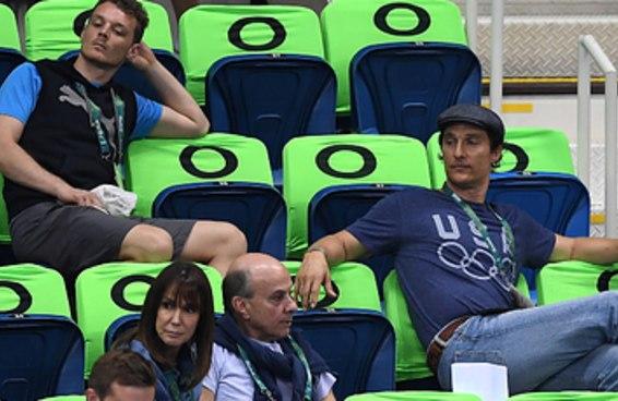 Matthew McConaughey mostrou que é gente como a gente nos Jogos do Rio