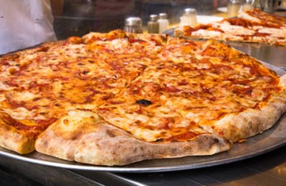 Você prefere comer pizza ou interagir com as pessoas?