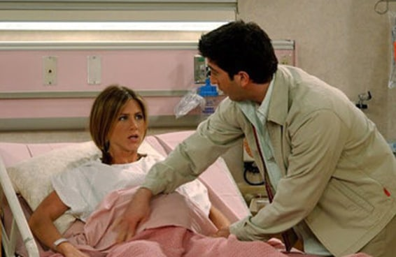 16 fatos históricos (e bizarros) sobre o parto que chegam a dar arrepio