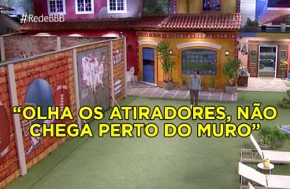 """Ninguém achou estranho a Globo botar um """"muro do Trump"""" no """"BBB17""""?"""