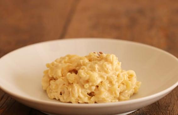 Macarrão com queijo de 3 ingredientes