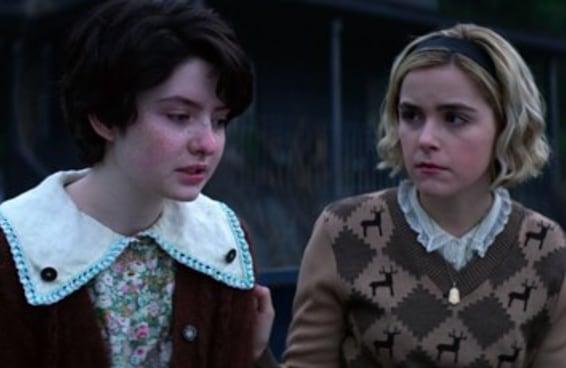 """Conheça Lachlan Watson, que interpreta Susie em """"O Mundo Sombrio de Sabrina"""""""