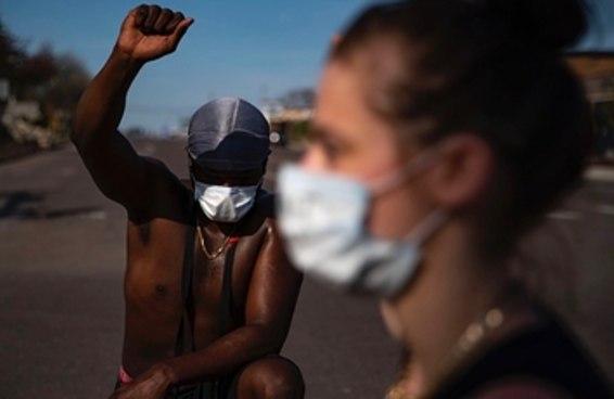 Por que uma pandemia não impediu as pessoas de protestar em Minneapolis