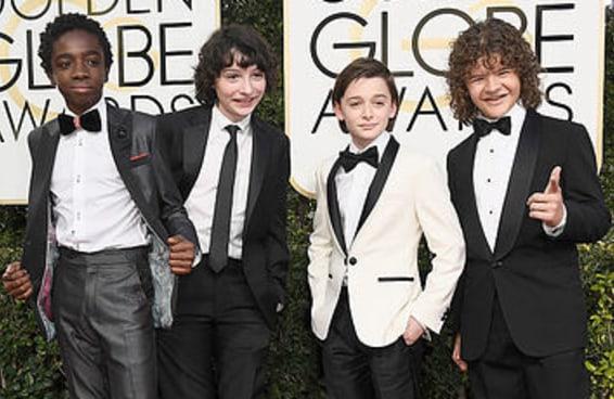 """As crianças do """"Stranger Things"""" chegaram arrasando no Globo de Ouro"""