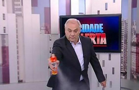 14 reações que todo brasileiro quer ter quando encontra um gringo desinformado