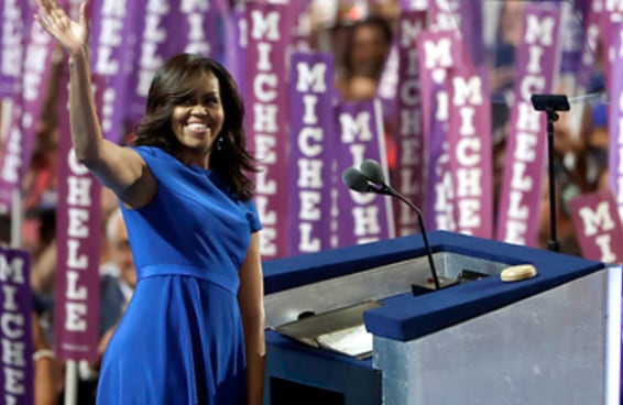 A transcrição e o vídeo do discurso de Michelle Obama que comoveu os EUA