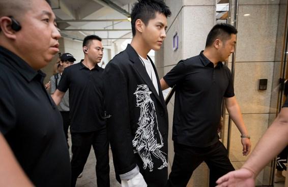 Escândalo no C-pop: promotoria chinesa aprova prisão de Kris Wu