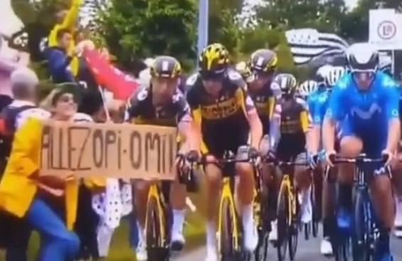 A polícia francesa quer encontrar a mulher que estragou a Tour de France