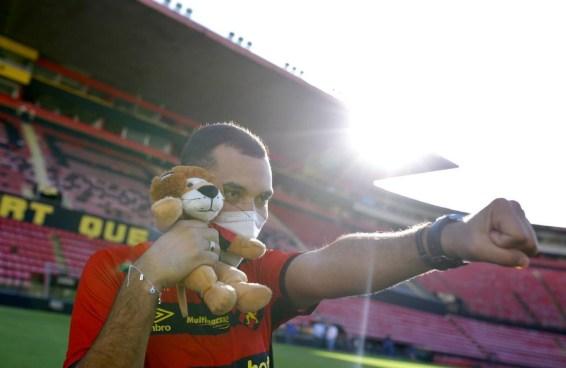 Gil foi alvo de homofobia por parte de seu time do coração. Tá na hora de falar sobre homofobia no futebol