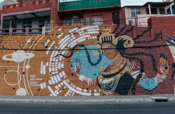 Larissa Luz é homenageada em mural de Salvador produzido pela MOOC