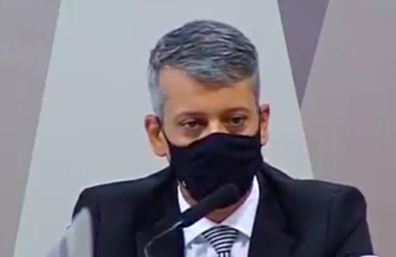 Roberto Dias disse que estava tomando um chopp quando lhe ofereceram 400 milhões de vacinas