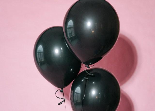 Balões pretos