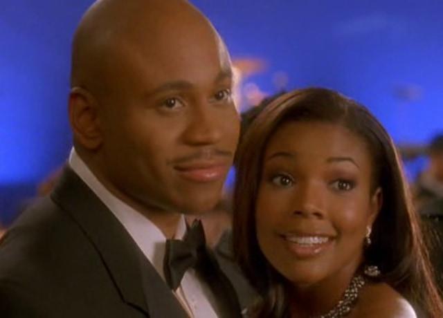 Ray e Eva juntos em um evento de gala.