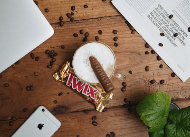 twis chocolate in clear mug