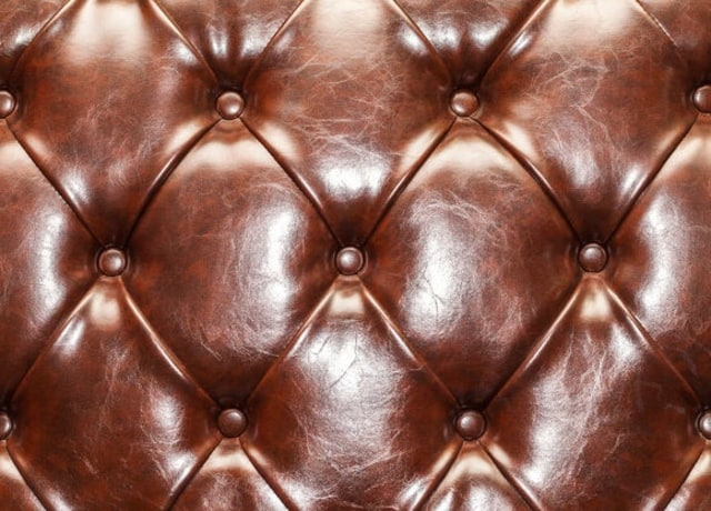 Estofado de couro marrom