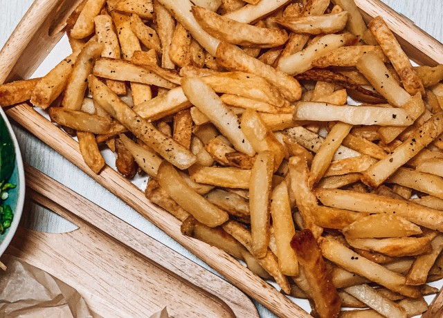 fries in tray