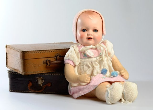 Foto de uma boneca esquisita.