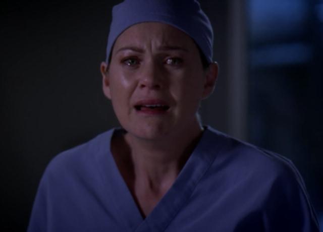 Meredith crying after watching Derek flatline