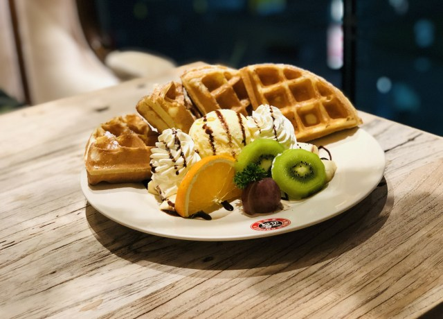 cooked waffles with ice cream