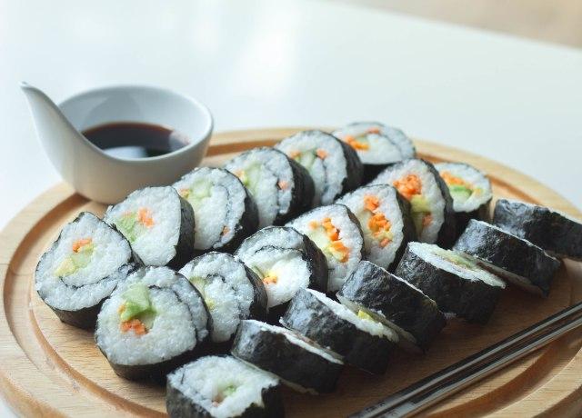 sushi on platter
