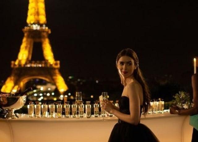 """Cena de """"Emily em Paris"""""""