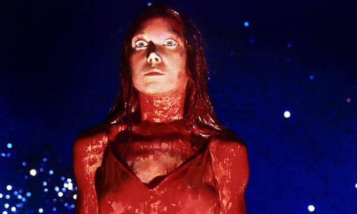 Carrie, de Carrie: A Estranha