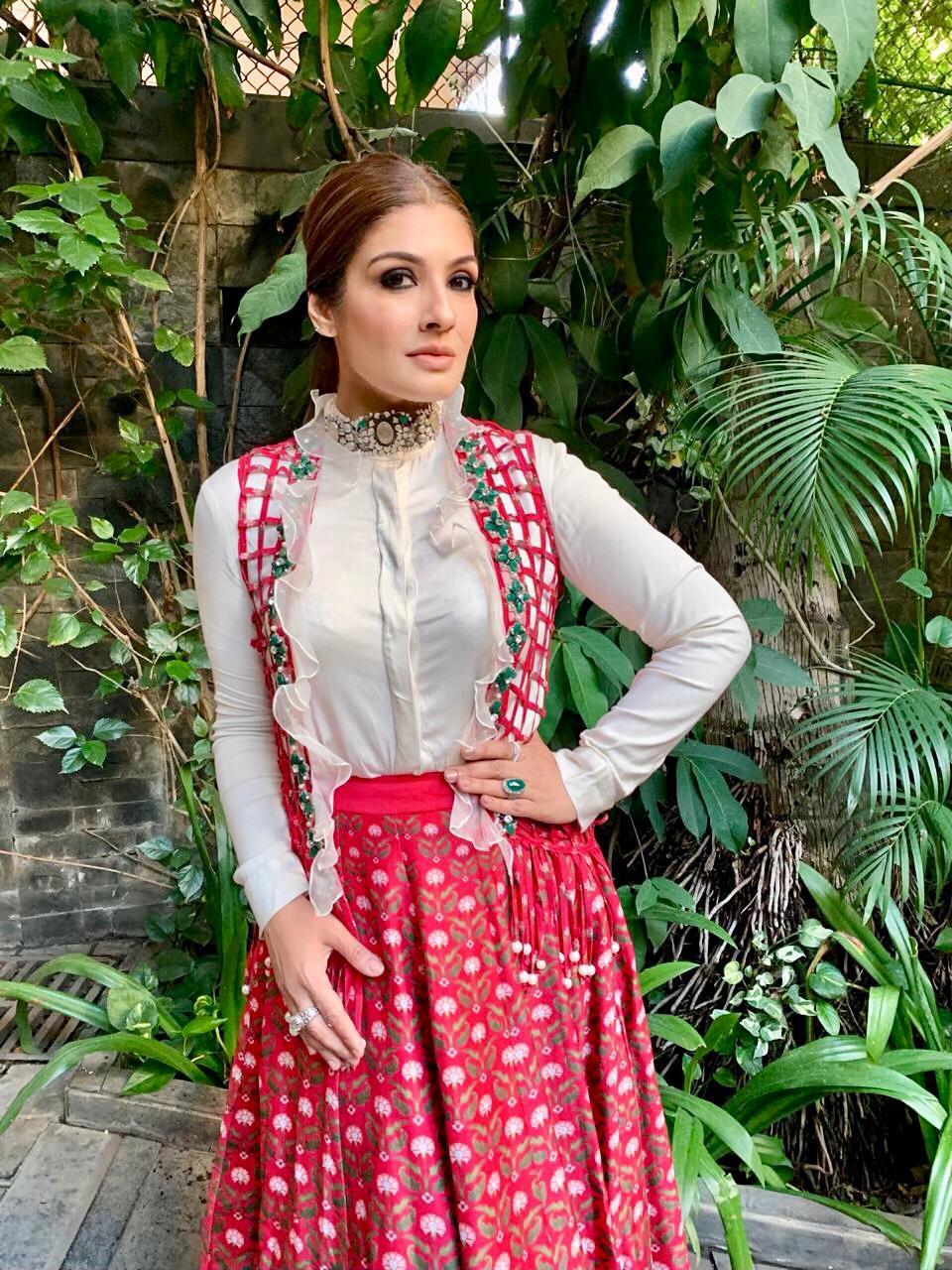 Raveena Tandon wearing Ridhi Mehra (3)