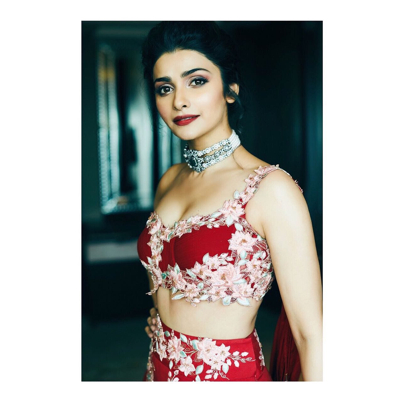 Prachi Desai wearing Joolry (2)