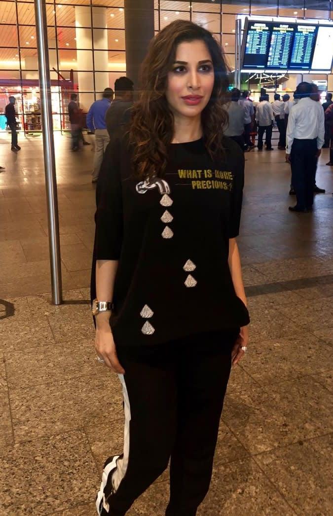 Sophie Choudry wearing Shahin Mannan-2