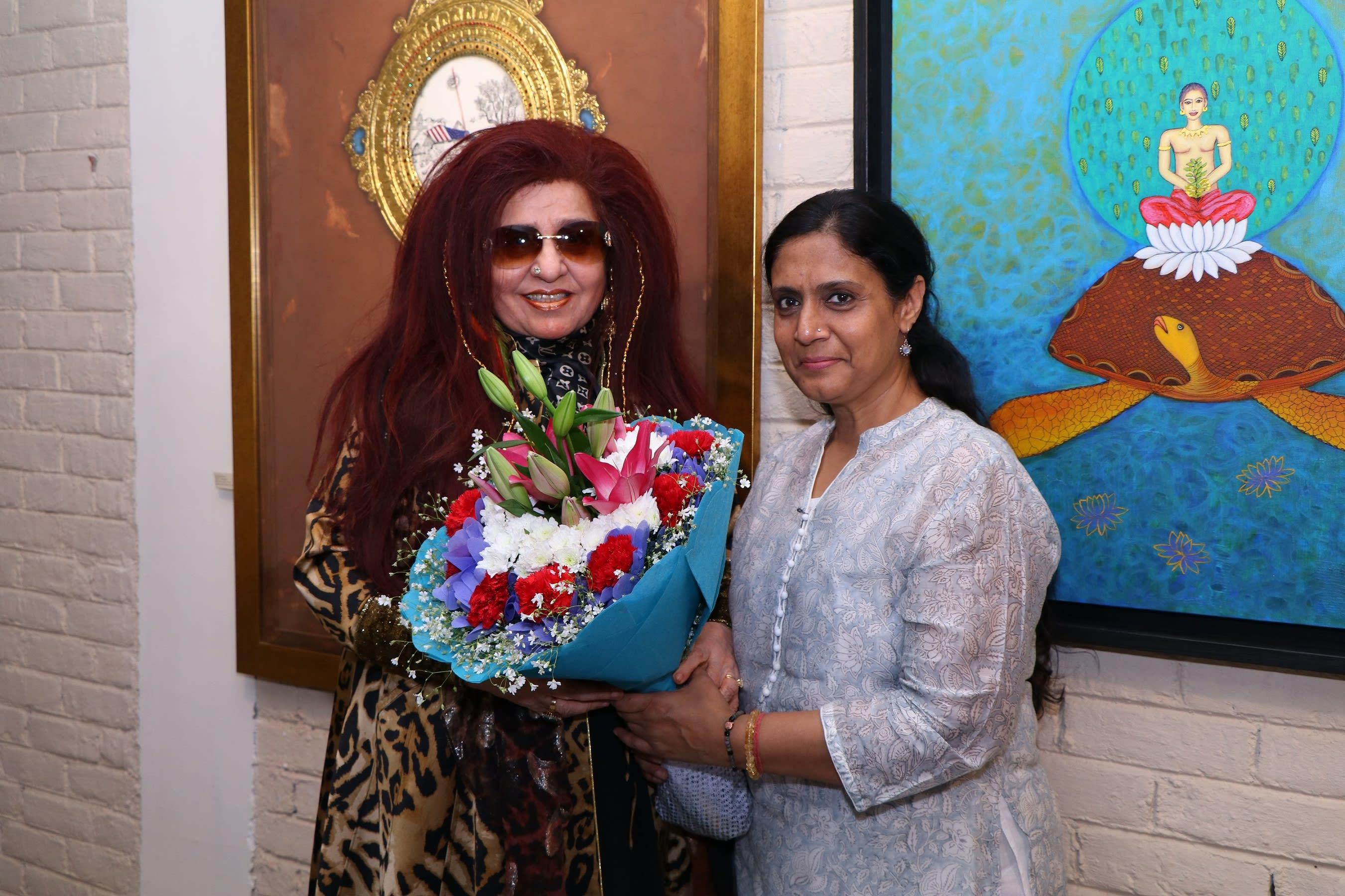 shahnaz-husain-with-art-curator-seema-subbanna
