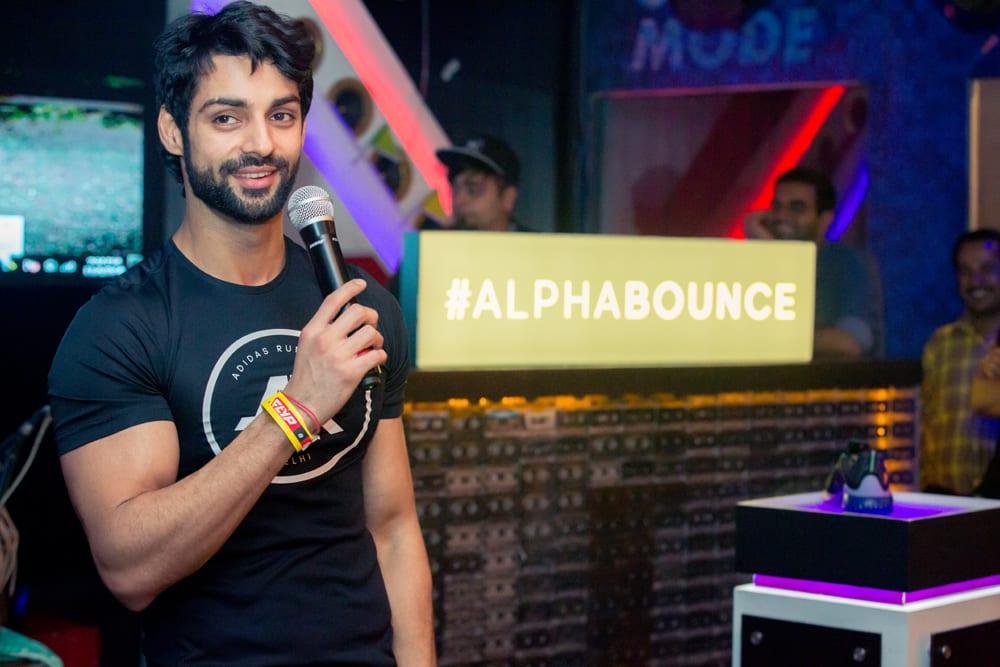 actor-tv-presenter-karan-wahi-at-alpha-bounce-treasure-hunt