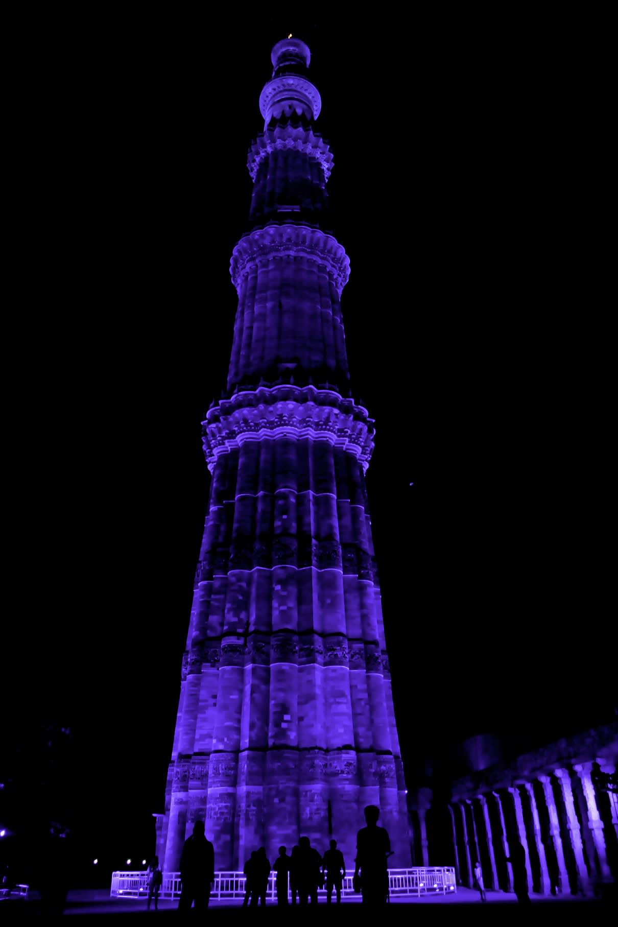 ace-in-association-with-asi-and-ministry-of-social-justice-and-empowerment-lights-qutub-minar-in-blue-to-mark-world-autism-awareness-day