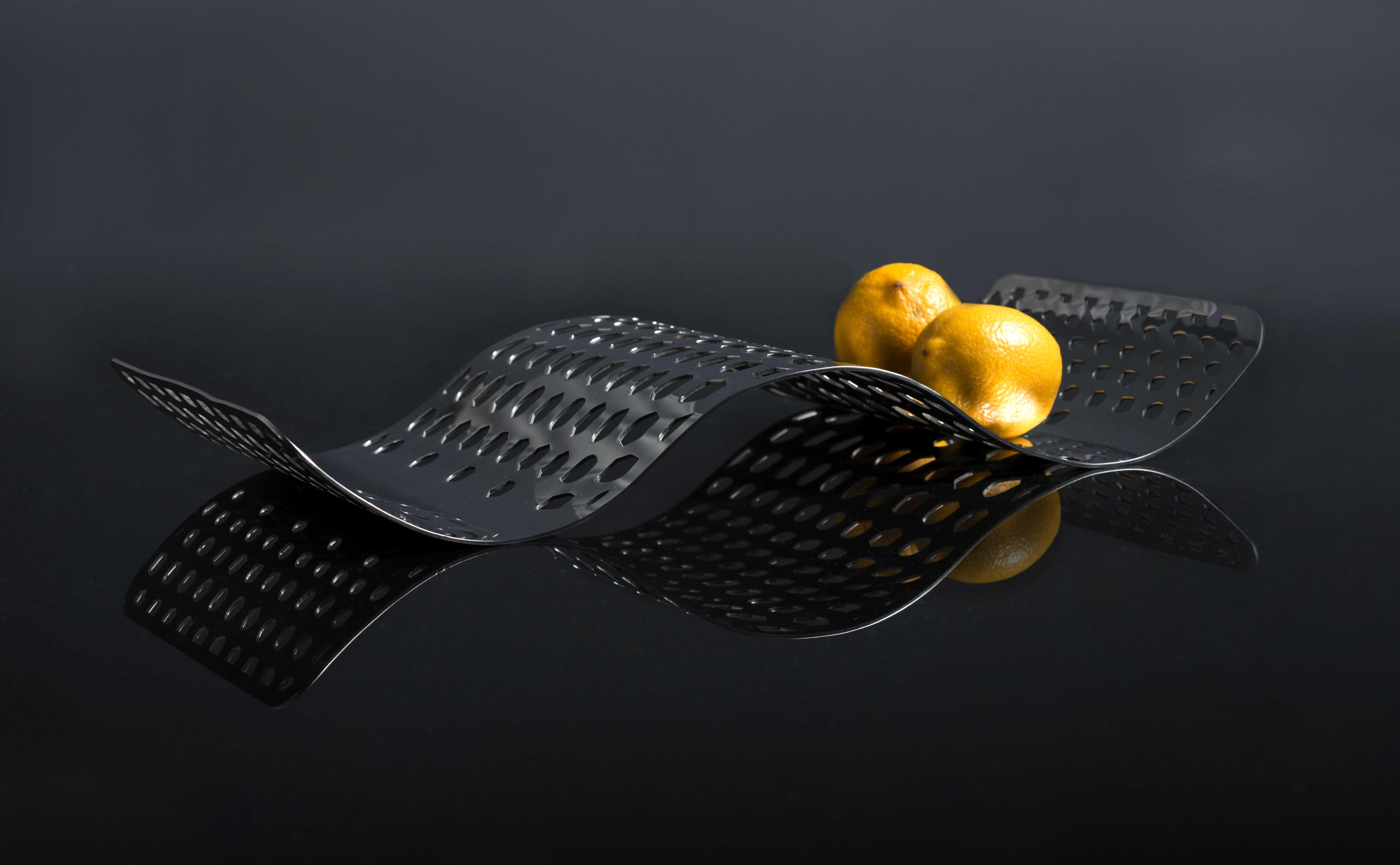 Wavemotion fruit platter by arttd'inox