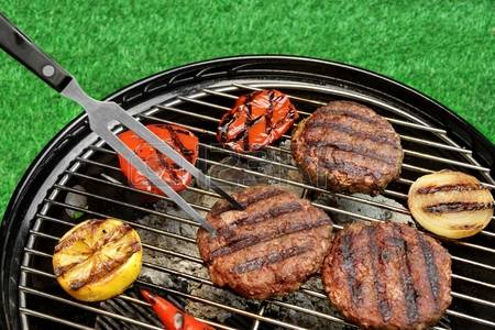 46239346-bbq-hamburgers-on-the-hot-charcoal-grill-cookout-concept-good-snack-for-summer-outdoor-party-or-picn