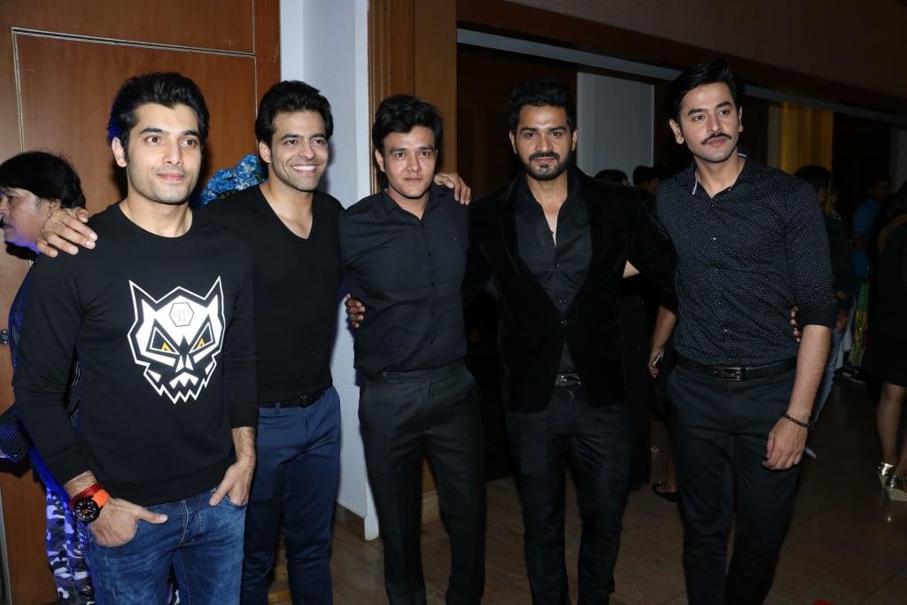 Ssharad-Malhotra-Himmanshoo Malhotraa, Aniruddh Dave, Mrunal Jain, Shashank Vyas
