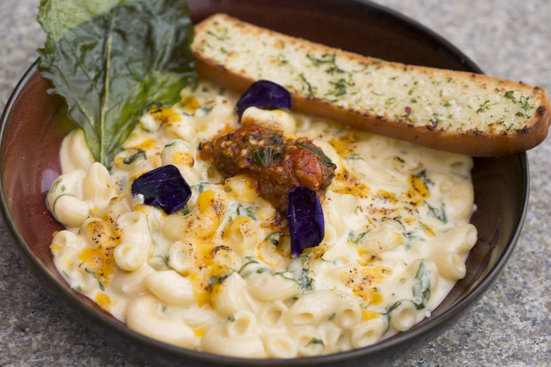 sbc-donald-trump-spinach-mac-n-cheese