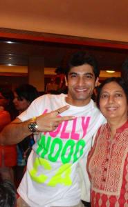 ssharad-malhotraa-with-mother-neera-malhotra-1