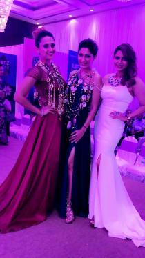 bulbeer-gandhi-shonali-soni-with-pooja-goswamy-the-shaze-fashion-show