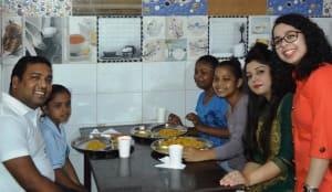 radisson-blu-paschim-vihar-team-celebrated-raksha-bandhan-with-balvihar-orphanage-3