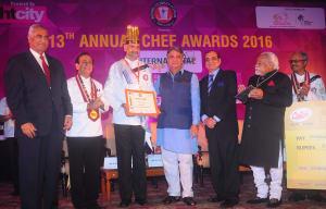 golden-hat-award-chef-rajan-loomba