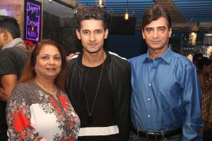 ravi-dubey-with-director-indra-kumar