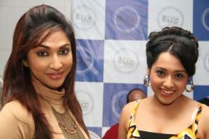mouli-ganguly-with-a-friend